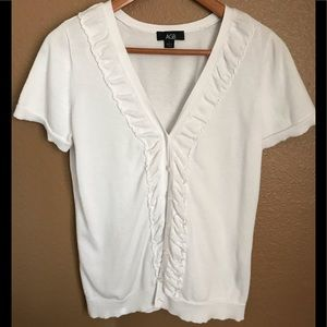 AGB White,short sleeved ruffled, button front,Lg
